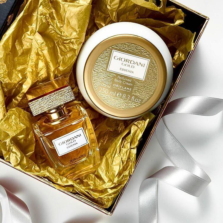 Bộ nước hoa nữ và dưỡng thể Oriflame Giordani Gold Essenza Parfum