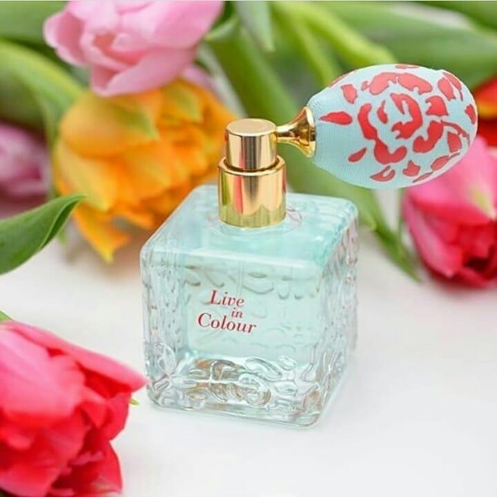 Nước hoa nữ Oriflame 33964 Live In Colour Eau de Parfum từ Thụy Điển